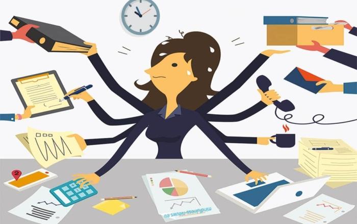 multitaskende zakenvrouw